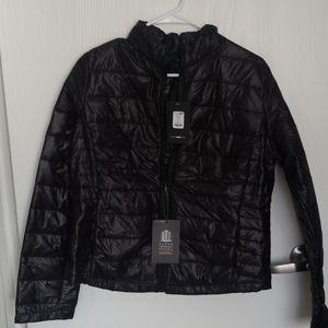Lightweight packable jacket